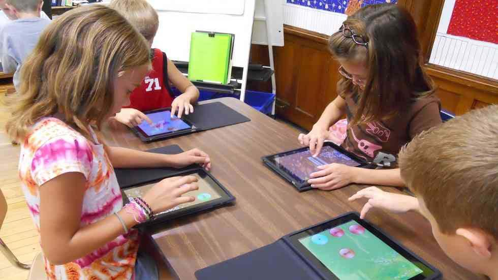 "Top ""iPad in Education"" Sites and Blogs For Teachers to Know"