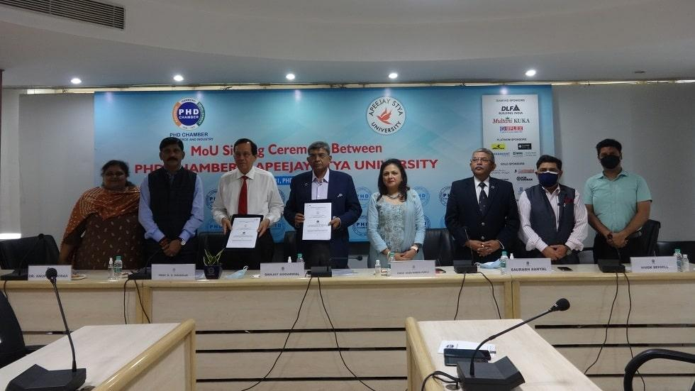 Apeejay Stya University Signs MoU with PHD Chamber
