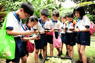 Mobile Education Helping Students to Improve Their 21st Century Skills