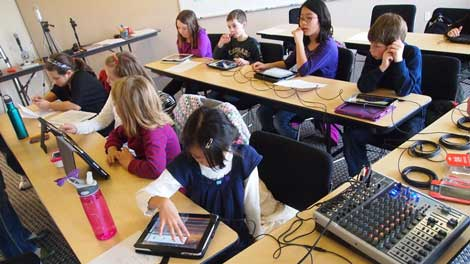 """""""Green Schools"""" Use EdTech to Save the Environment"""